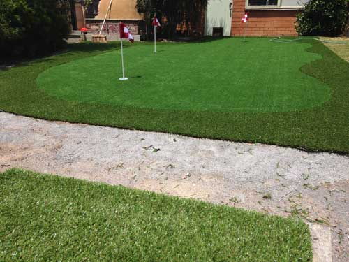 Putting green with chipping mat at bottom of screen. - Case Study] A Backyard DIY Synthetic Golf Green - Synthetic Golf
